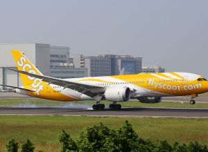 Boeing_787_Scoot_9V-OFD