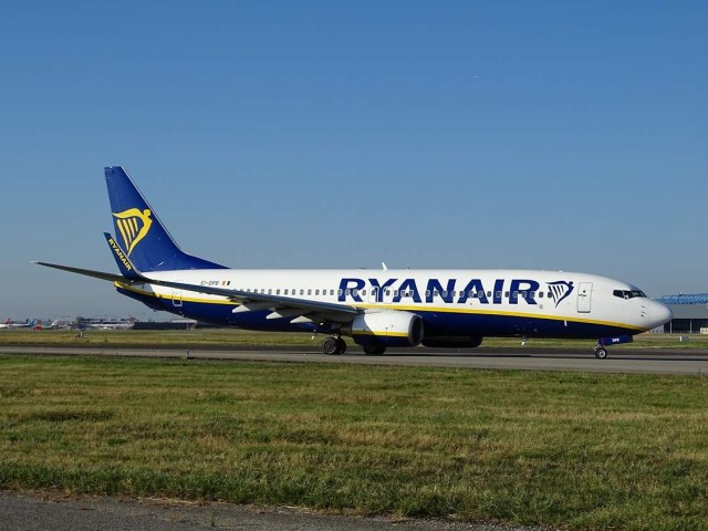 Boeing_737-800_Ryanair_Toulouse