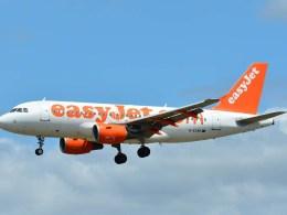 Airbus_A320_easyJet