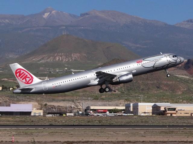 Airbus_A321-NIKI