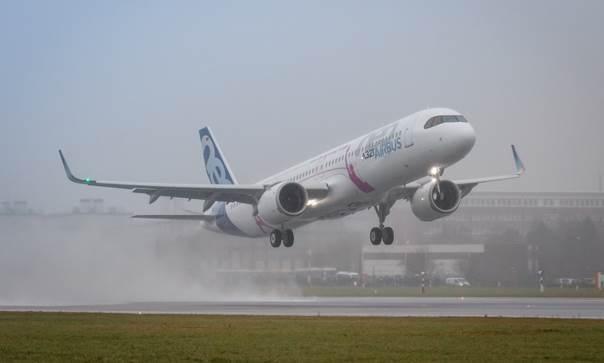 Airbus_A321LR_premier_vol
