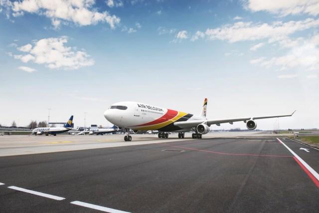 Airbus_A340_Air_Belgium_Charleroi-Bruxelles_Sud