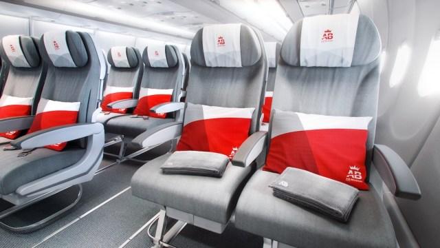 Airbus_A340_Air_Belgium_cabine_economie