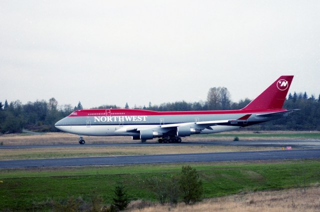 Boeing_747-400_Northwest