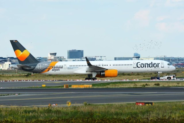 Boeing_757-300_Condor_Francfort