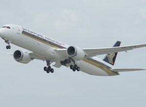Boeing_787-10_Singapore_Airlines_essai_vol_essai_Charleston