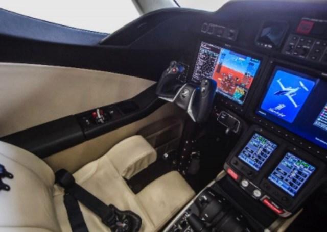 Hondajet_wijet_cockpit