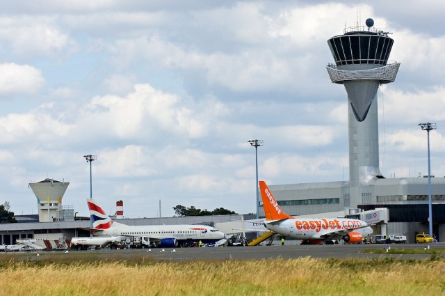 Aeroport_Bordeaux-Merignac_1_bili