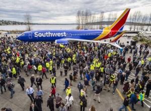 Boeing_10000e_737_Southwest