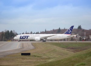 Boeing_787-9_LOT
