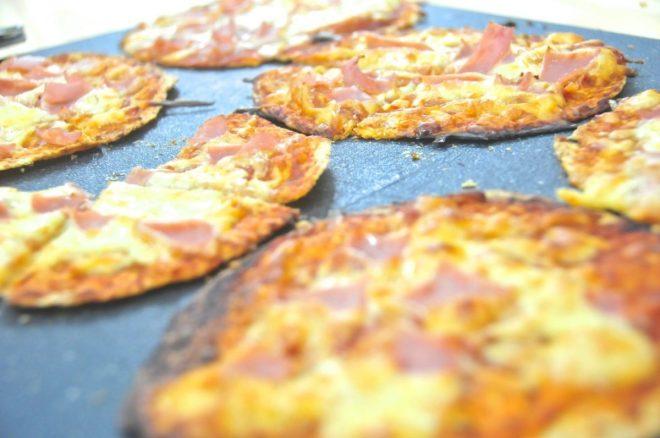 pizza americana con tortillas de maíz y harina integral