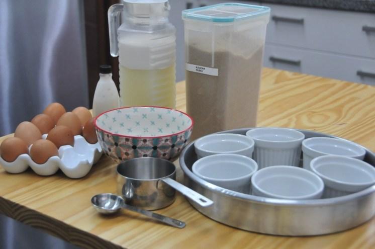 Todo listo para esta deliciosa opción de crema volteada (o leche asada o flan o creme caramel) con leche de almendras