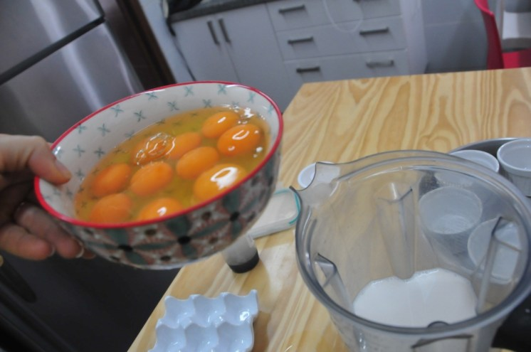 Usar huevos orgánicos (o de corral), el resultado es más rico y saludable