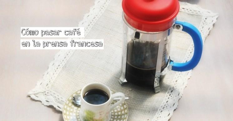 Se le conoce como: cafetera de émbolo, cafetera de pistón, cafetera francesa o prensa francesa (Fuente: wiki)