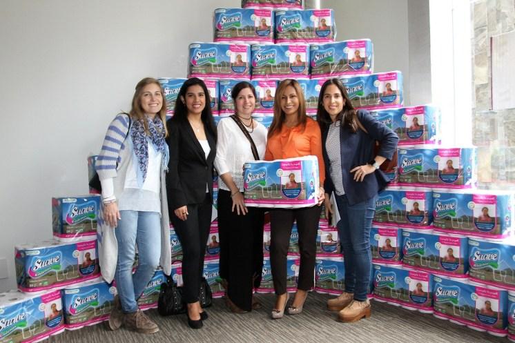 Mamas blogueras apoyando el proyecto Baños Cambian Vidas, impulsado por Kimberly Clark y Water for People.