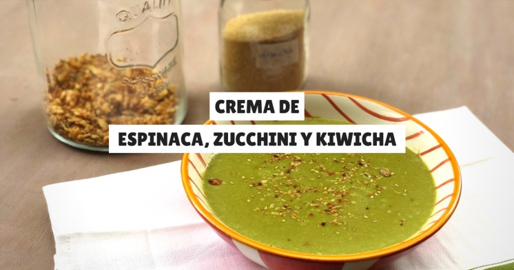 Crema de zapallito italiano, espinaca y kiwicha