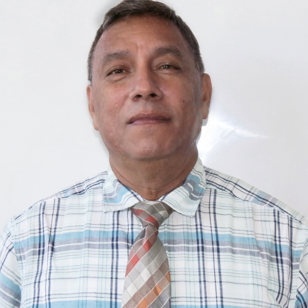 Mr. Joaquín Flores