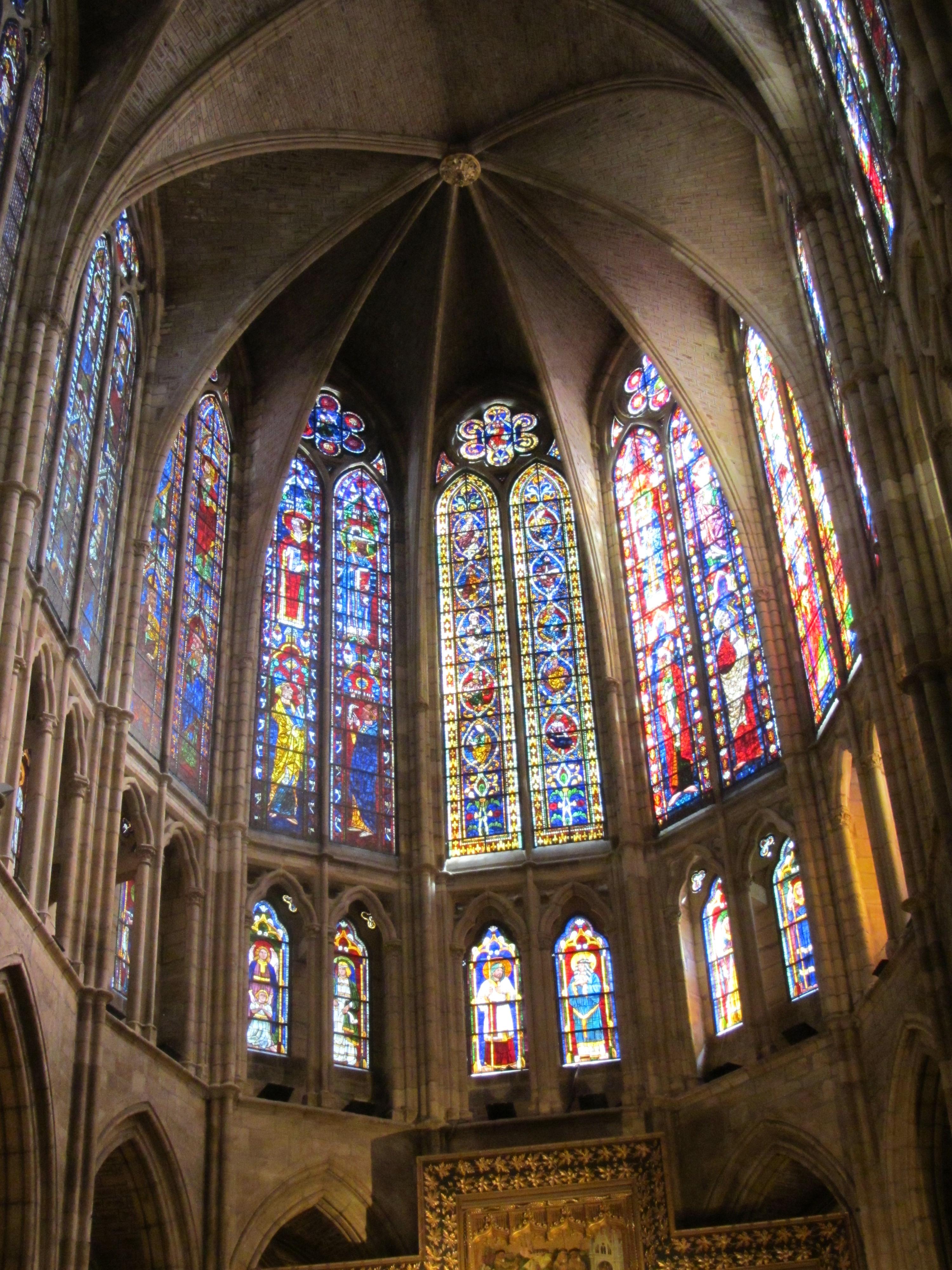 Interior de la catedral de Len  La Estirga Burlona