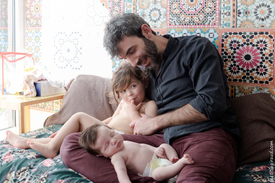 papa avec ses filles