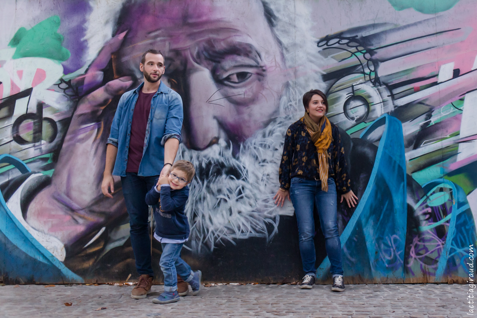seance photo en famille dans les rues de avignon