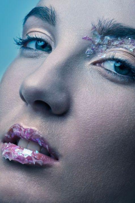 Modèle @hannahweiden - Photographe @francois.mg - Styliste @at_couture