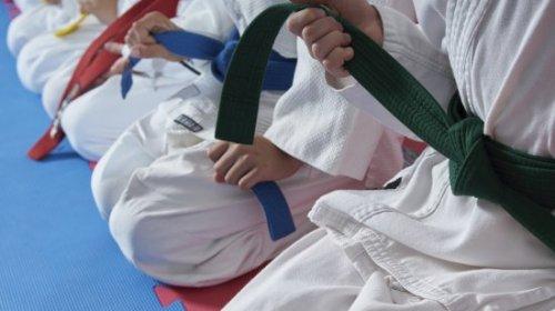 Rivadavia suma karate y natación para adultos mayores a las actividades habilitadas