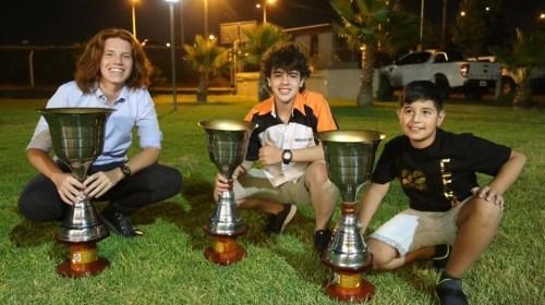 Efraín, Nico y Juan Cruz, los amigos que volvieron de Mendoza cargados de copas