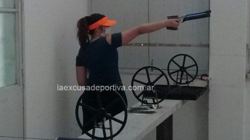 Lara Méndez lleva su talento en tiro deportivo a un campus YOG