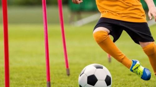 Arranca curso de capacitación de técnicas y tácticas de fútbol