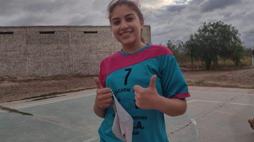 Se enamoró del handball en el colegio y ahora la rompe en la ADA: la historia de Anto Fernández