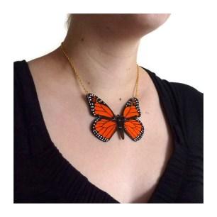 collier-papillon-monarque-orange-et-noir