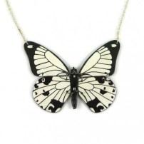 collier-papillon-papilio-dardanus-blanc-et-noir
