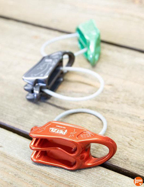 Petzl-Reverso-assurage escalade dispositif