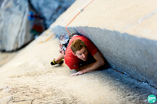 tommy-caldwell-changing-corner-grimper-en-diedre-technique