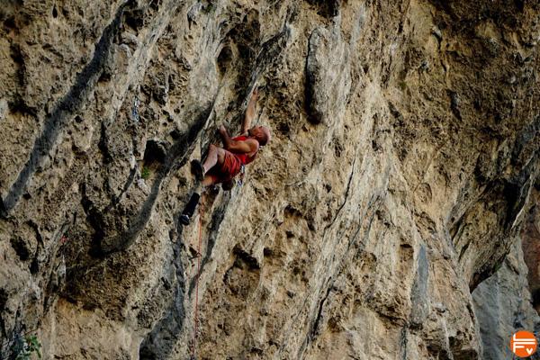 julien-gasc-escalade-handi-falaise