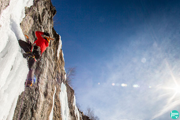 dry-tooling-cascade-glace-entrainement-croise-escalade