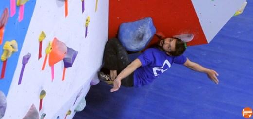 kneebar-climbing