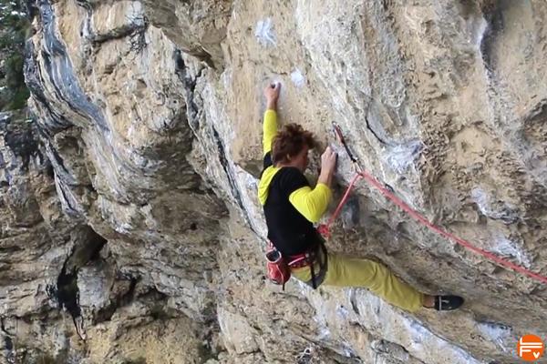 Seb-Bouin-Superplafond-volx-prises-escalade