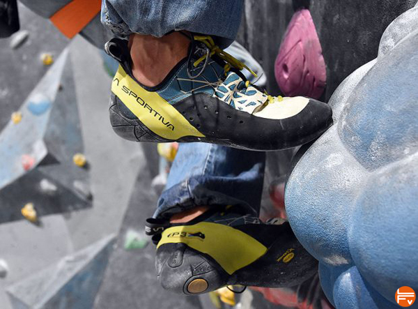 injury-climbing-technique-foot-placement