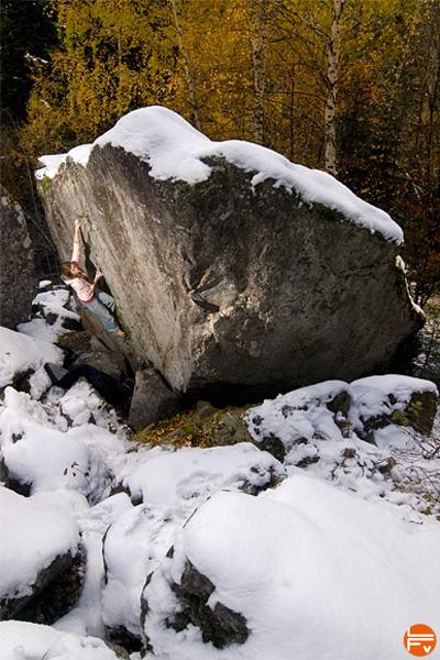 bloc-hiver-froid-neige-grimper-escalade