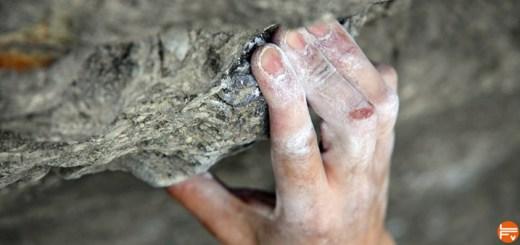 crimp-climbing-pain-injury