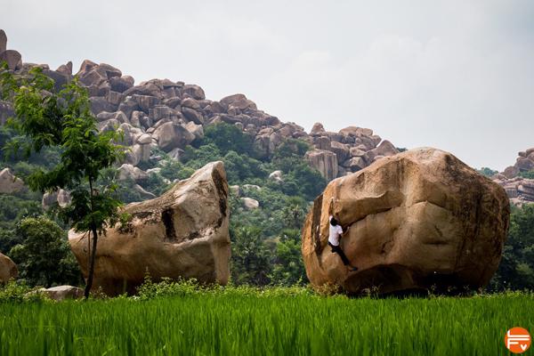 bouldering-climbing-hampi-clothes-prana
