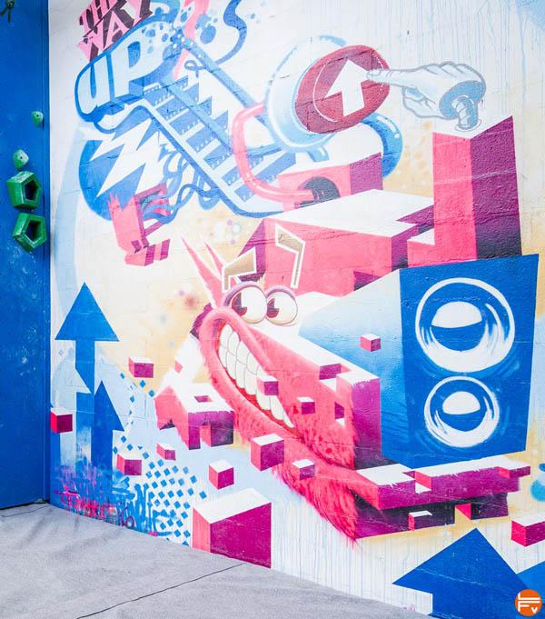 Street-art-Arkose_Arkose-Groupe-calendrier-avent-escalade-grimper-bloc-salle