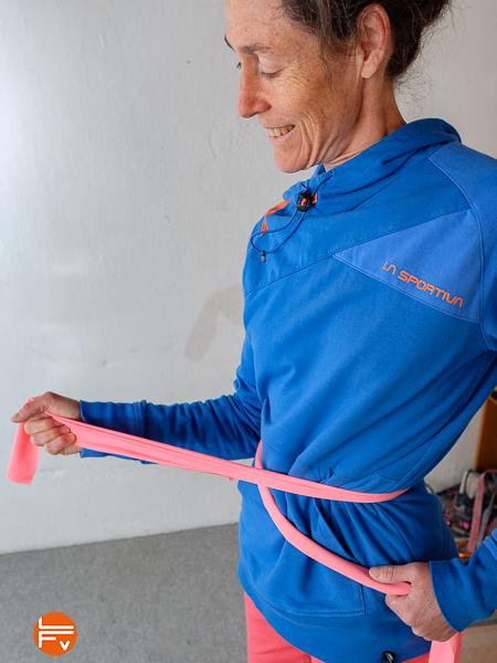 échauffement des rotateurs externes du bras avec élastique