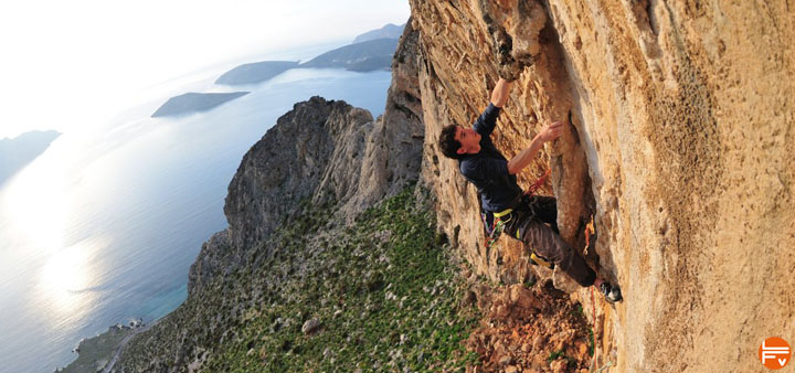 alex honnold-climbing wall eating staying healthy