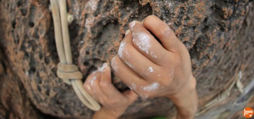 how to developp strong fingers rock climber hands climbing