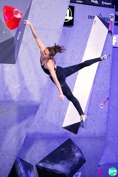 safer bouldering falls margo hayes competition
