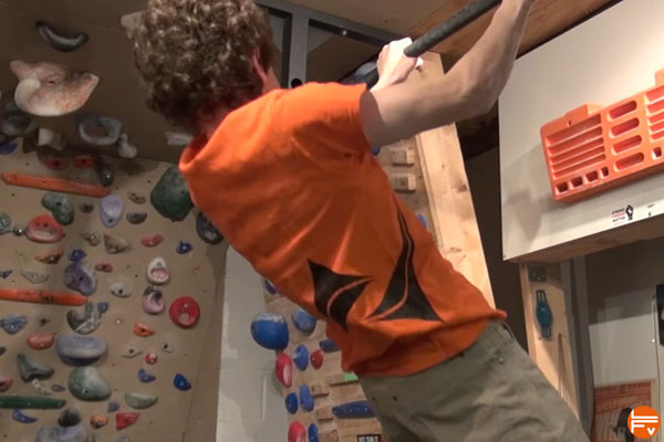 best-climbing-exercise-scapular-pullup-improve your climbing