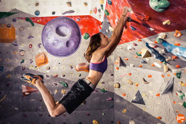 dyno bouldering improve your climbing power