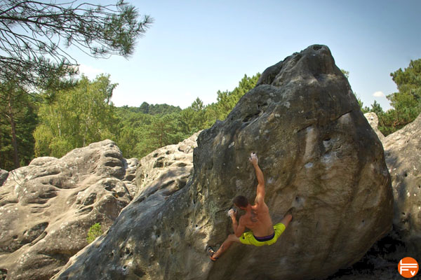 bouldering sessions font climbing outdoor